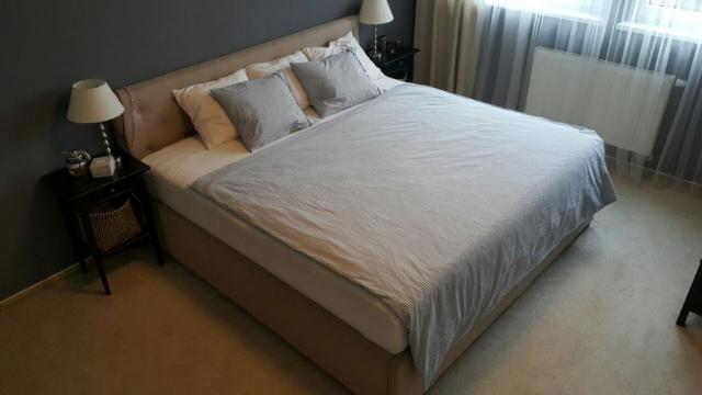 Skúste spanie ako na obláčiku s našimi posteľami, Zvoľte si typ postele, rozmer, poťahový materiál, posteľ s úložným alebo bez úložného priestoru
