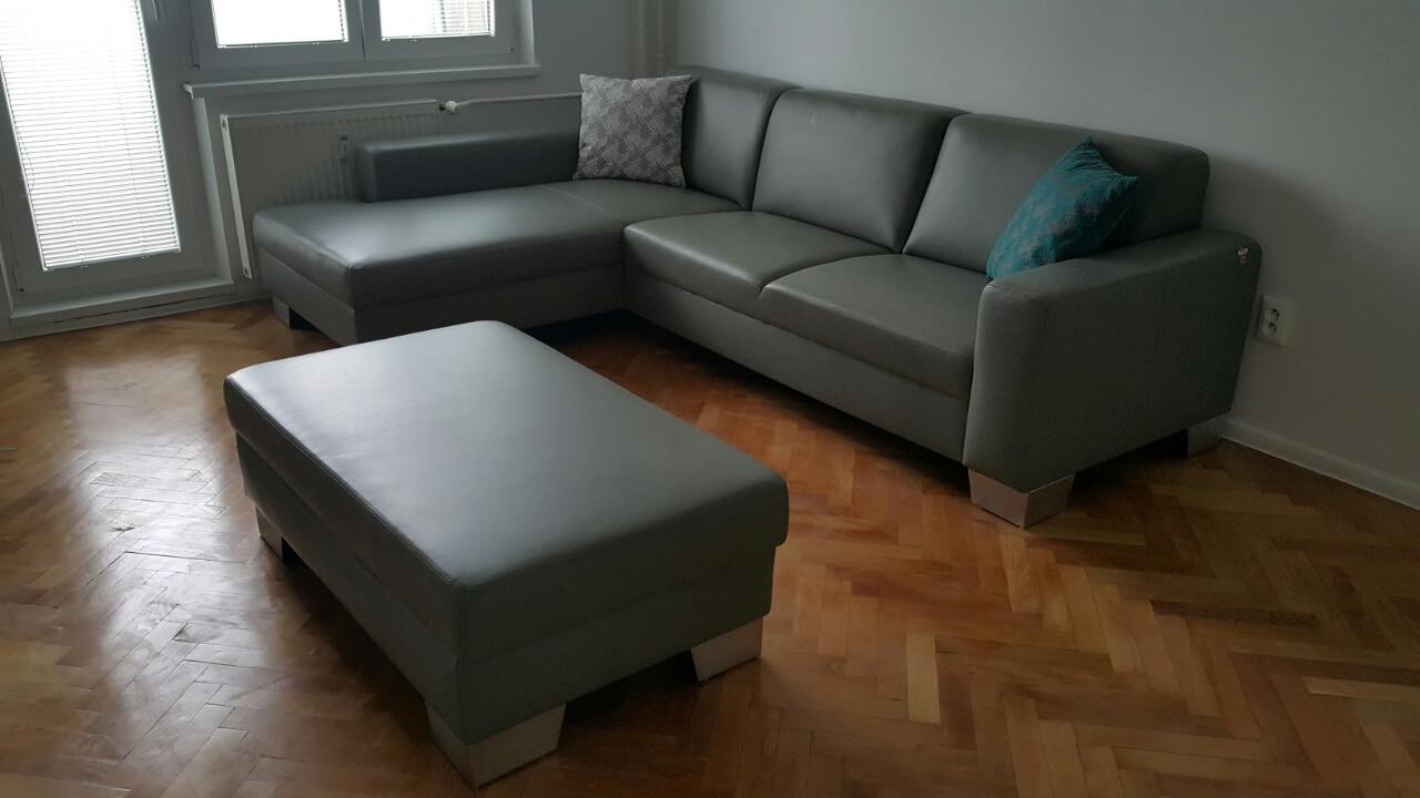 Sedacia súprava Lemans s funkciou rozkladu na 2-posteľ, vyrobená v pravej koži OHIO 1022, ktorá dodá vášmu nábytku jedinečnosť
