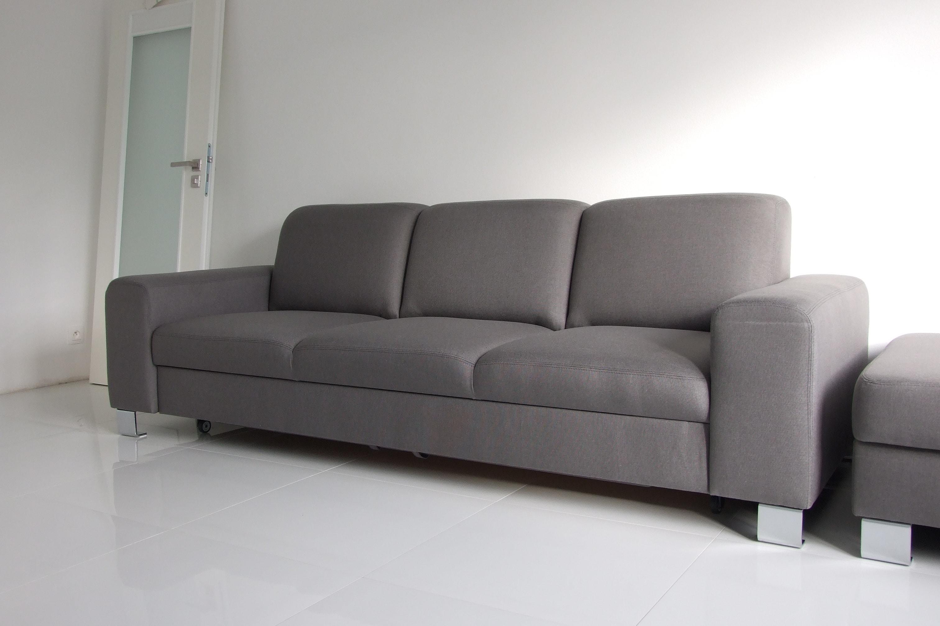 Moderná sedacia súprava Lemans s funkciou rozkladania na dvojlôžko  v rozmere podľa požiadavky zákazníka (245cm) v španielskom poťahovom materiály Libra52.