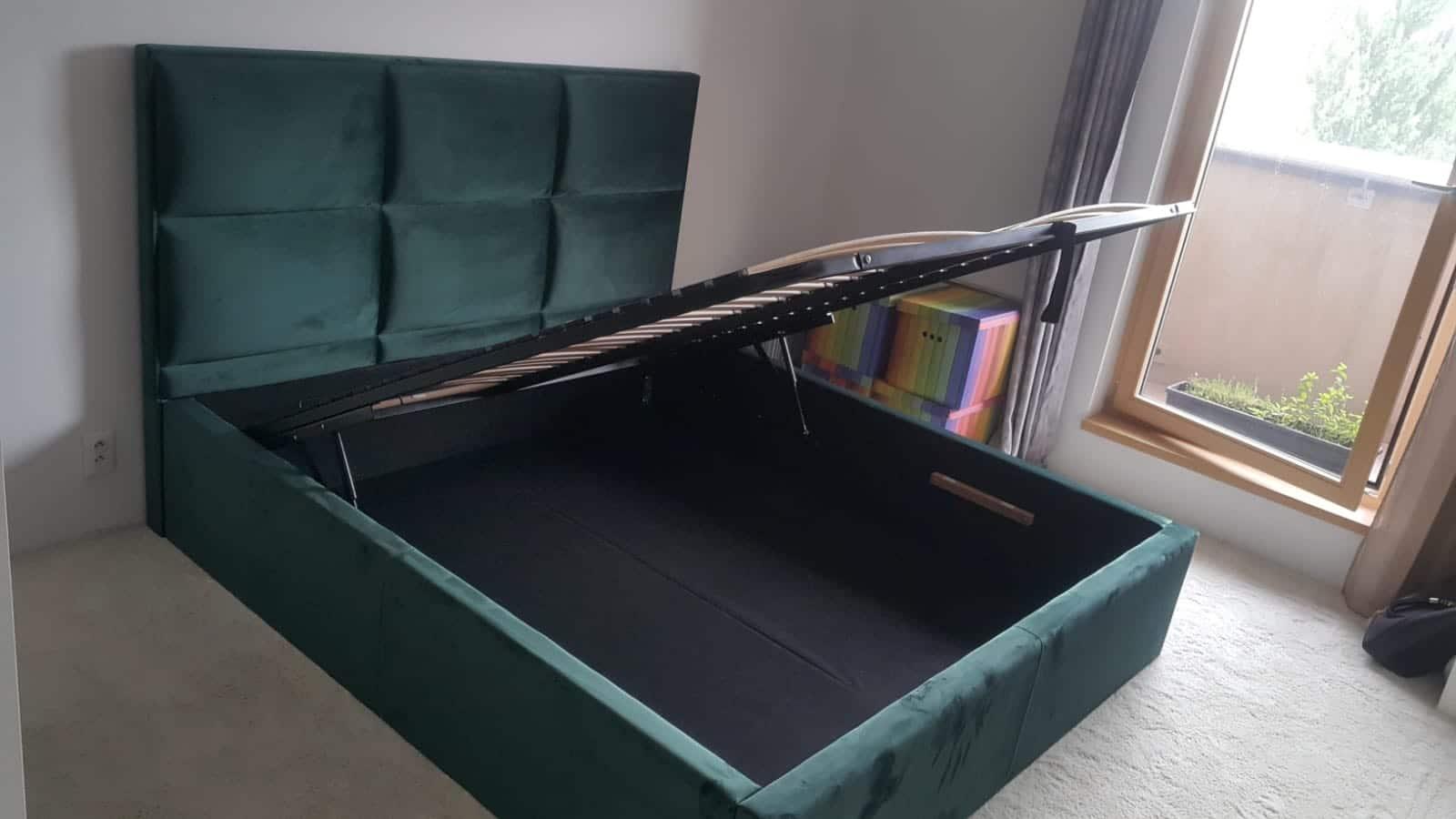 Posteľ Soft Plus(180x200cm)s úložným priestorom, s čelom vysokým 130cm a bočnicami výšky 40cm v látke dodanej zákazníkom