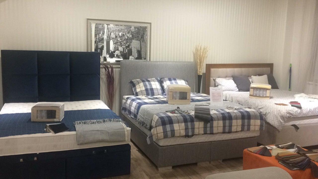 Postel springbox s úložným priestorom, posteľ springbox bez úložného priestoru a kontinentálna posteľ s úložným priestorom máte možnosť vidieť na našej predajni