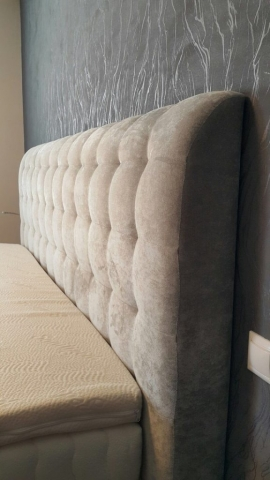 Detail na čelo postele Blus Lux hrubé až 15cm.
